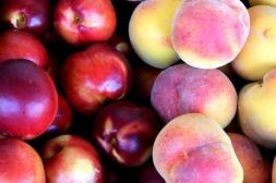 nectarinas y melocotones